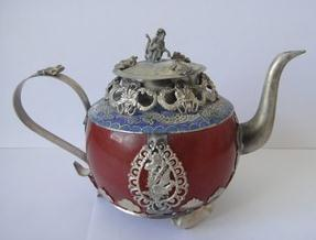 Free shipping Collectibles Chinese Vintage handwork tibet-silver carving dragon old jade teapot monkey lid(China (Mainland))