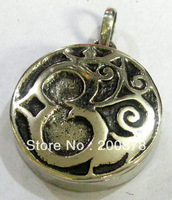 TGB186  Tibetan White Metal Copper Antiqued  Silver OM Amulet prayer box,Tibet Man Small Box Pendant,2013 new ethnic
