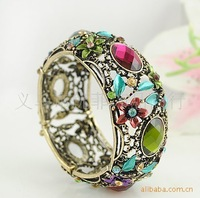 Free Shippin 1 lot/5 piecs European vintage style exotic hollow jewelry bangle bracelet with flower crystal fashion accessories