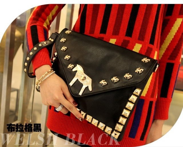 2013 new design for lady's handbag /bags matel horse decorated with rivets around the circle black soft pu hotsale(China (Mainland))