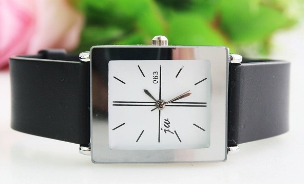 Supply generous simple belt watch manufacturers of primary sources to support the couple pairing! 133562(China (Mainland))