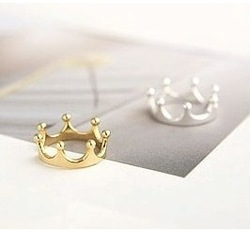 R025 Min.order is $8 (mix order) New Pattern Fashion Lovely Crown Rings Jewelry wholesales!! Factory Direct Sales Freeshipping!(China (Mainland))