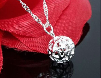 30% of 925 silver Exquisite fashion hollow ball female/woman/girl models Necklace Pendants Jewelry Accessories