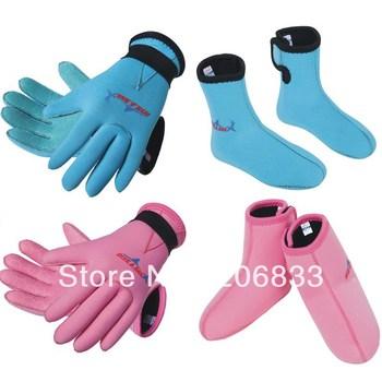 New style 2013 3mm KIds Neoprene Swimming,Diving and Surfing Gloves Slip-resistant gloves