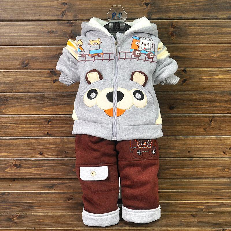 Ternos jaqueta 2.013 novas outono infantil e roupas de inverno de algodão acolchoado engrossado meninos terno esportes das meninas(China (Mainland))