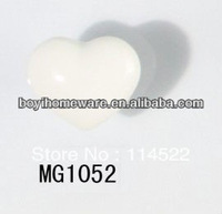 moulded popular heart shaped white ceramic knob handles cabinet pull kitchen cupboard knob kids drawer dresser knobs MG1052