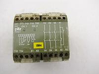 pilz  PNOZ 1 3S/10 DIN VDE 0110 4KV/3  24VDC 3.5W