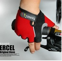 Free shipping Bicycle gloves / sports gloves /