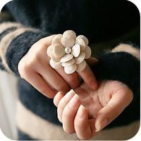 Od0012 beautiful cream petals camellia adjustable elastic ring female