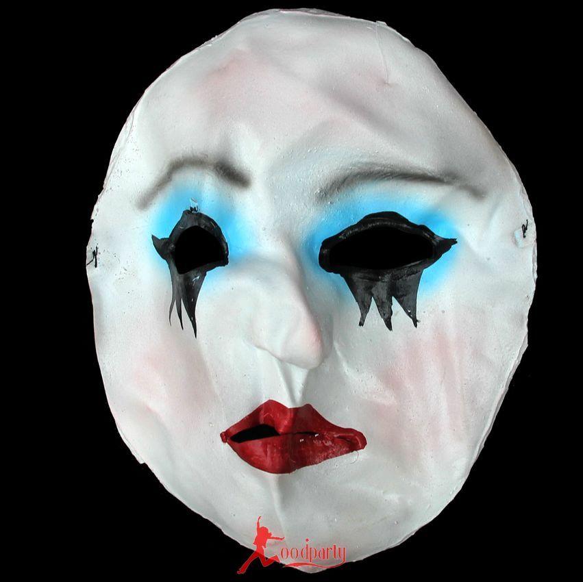 Le masque pour la personne des boutons la nettoyante