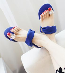 New arrival 2013 toe-covering large chiffon rhinestone slippers flat heel gentlewomen elegant sandals