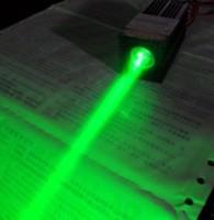 Free shipping  !!!  532nm green broad beam laser guns, high-power laser, stage laser work long hours