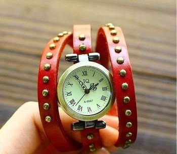 New wholesale luxury ladies vintage wristwatches for women gift fashion clock designer leather quartz wrist watch