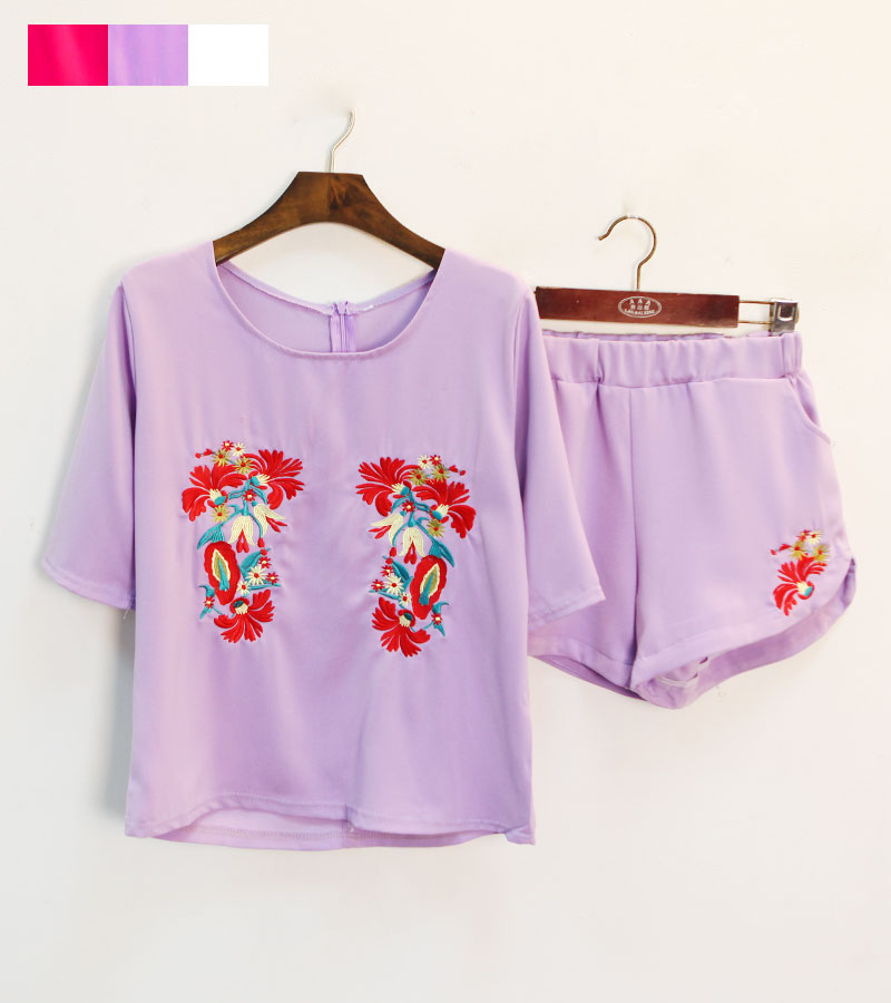 Baroque multicolour delicate cutout embroidery national trend loose slim top shorts casual set c 17(China (Mainland))