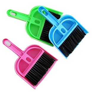 Lovely Mini Desk Cleaning Dustpan + Brush SET Mini Keyboard Brush Car Brush 13343(China (Mainland))