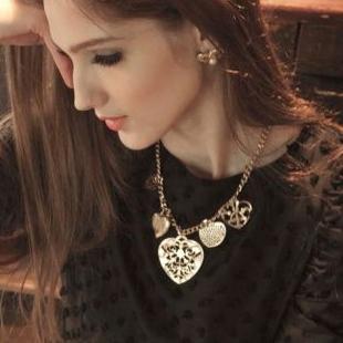 Elegant NOB0278 Fashion necklace new arrival 2013 trend metal cutout heart love necklace