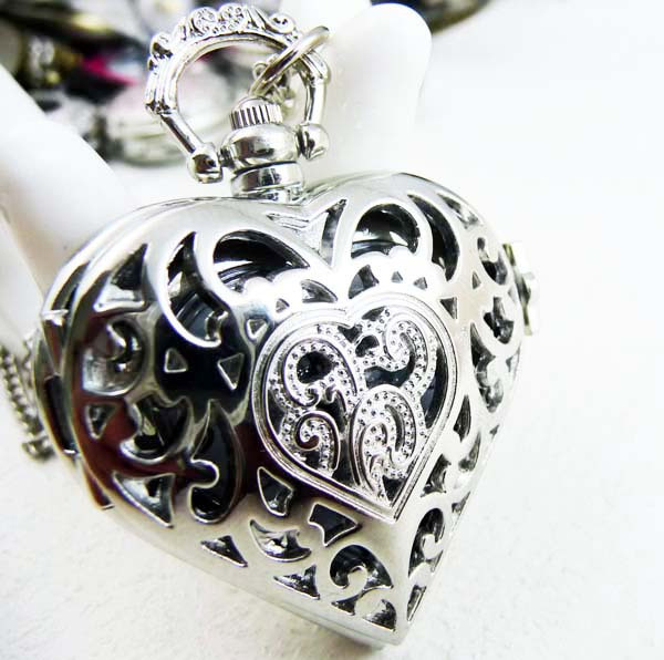 Free shipping,hot,wholesale,new vintage Silver quartz heart jewelry 10pcs for ladies Womens men sweater necklaces pocket watches(China (Mainland))