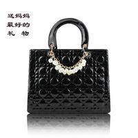 2013 fashion elegant patent leather brief women's japanned leather handbag women's brand bags