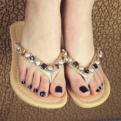 [صورة مرفقة: 2013-summer-new-beaded-rhinestone-sandal...50x250.jpg]