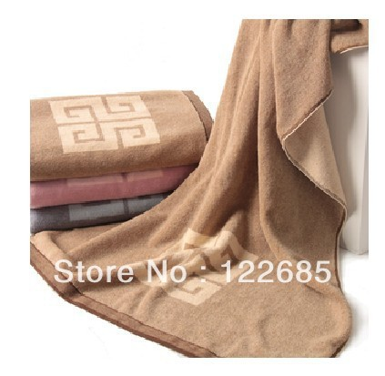 2013 fashion comfortable beautiful 100% cotton 150x73cm The soft thicker section of the high-end fancy cotton bath towel(China (Mainland))
