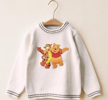 free shipping 4pcs/lot kids white knitted sweater children's pullover with a bear winne