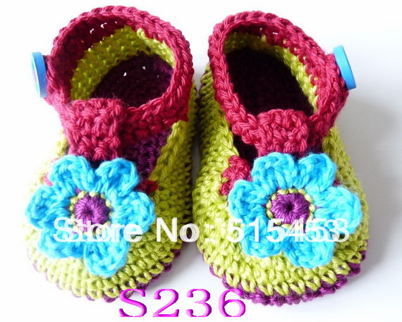 free shipping, Handmade Crocheted Girls boys Baby Booties Crib Shoes,blue Flower Walker,infant toddler shoes(China (Mainland))