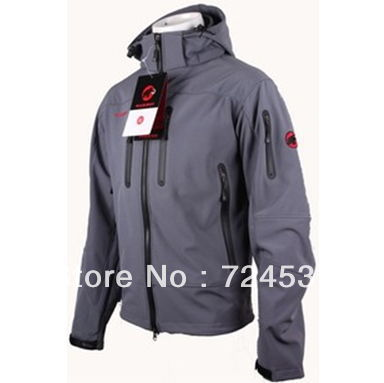 2013 High Quality New men's outdoor soft shell charge clothes fashion Spring autumn hoodie coat jacket(China (Mainland))