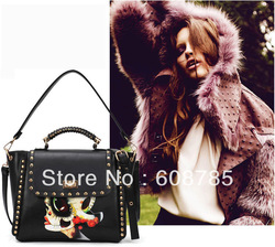 2013 New Female Vintage Fashion Black Cartoon Comic Rivet Handbag Shoulder Messenger Bag Tote bags Free shipping B0980(China (Mainland))