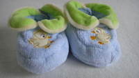 New born baby shoes ,baby socks ,baby booties with animal head toy,embroidere duck craft.