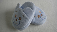 New born baby shoes ,baby slipper ,baby booties with animal head toy,embroidere  craft.