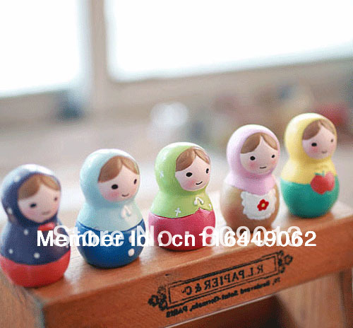 Free shipping fancy mini Resin craft gift Russian dolls sets zakka 5*3.5cm Resin furnishing articles(China (Mainland))