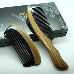 Send mom set natural green sandalwood horn wooden comb exquisite gift(China (Mainland))