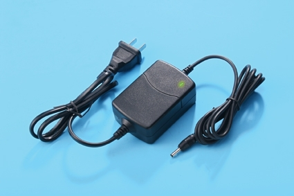 12V1A CCTV power supply, monitor power supply, DC power supply, power adapter GB LIGHT(China (Mainland))