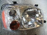 HEAD LAMP FOR NISAN PALADIN 2003