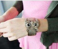 Min. order is $15 (mix order) Aq0941 vintage wide bracelet animal hand ring 67g