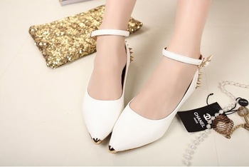 Free shipping  ! Pure color flat shoes European and American wind rivets pointed shoes women's shoes