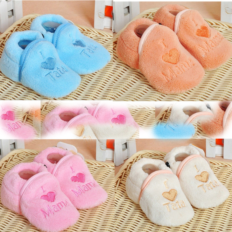 Baby shoes baby coral fleece shoes 0-1 year old baby soft sole shoes floor shoes spring and summer autumn and winter(China (Mainland))