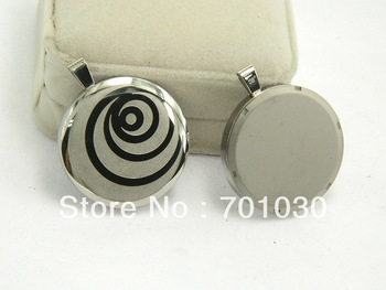 Free shipping ,2013 newest design stainless steel with magnetic quantum pendant