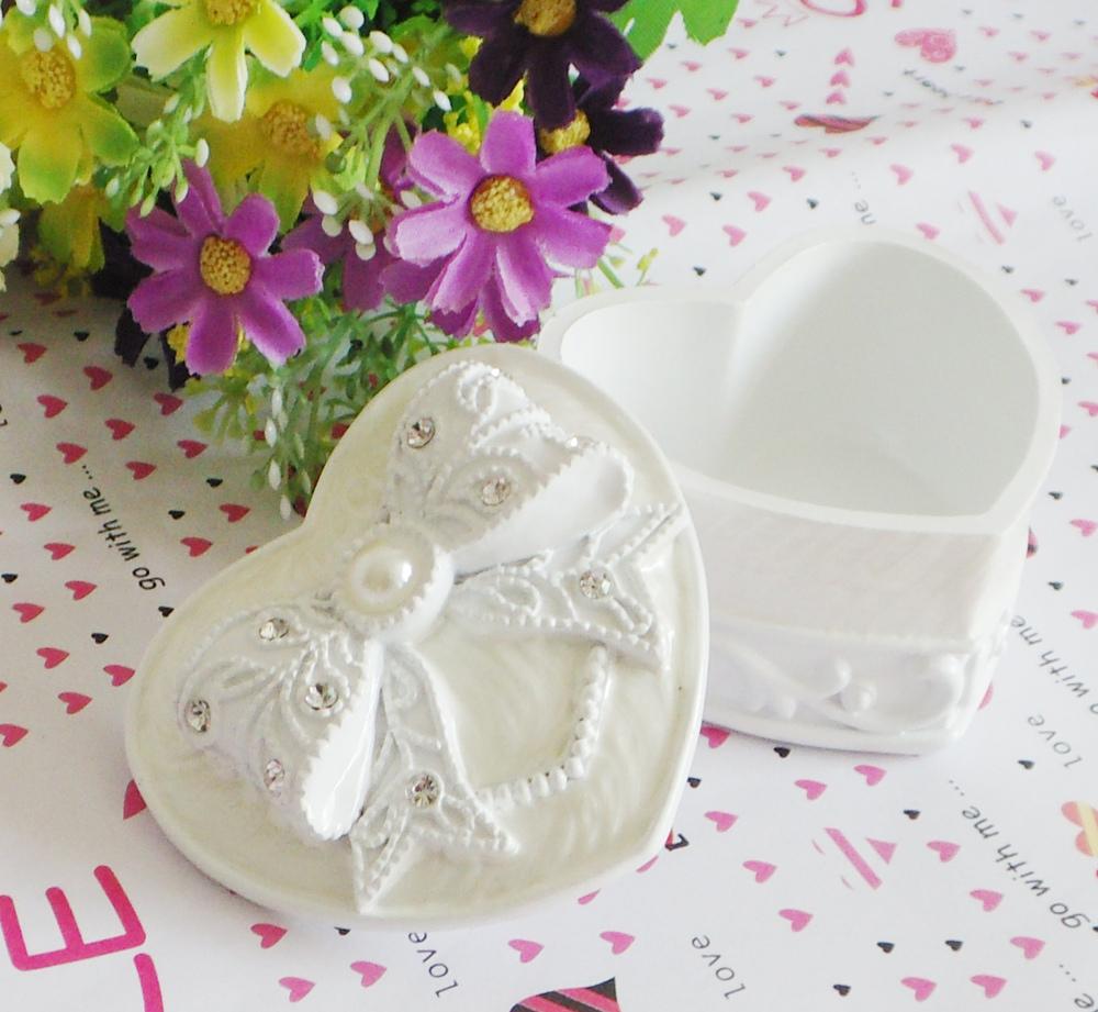 Free shippig white lovely heart-shaped bow jewelry box storage box birthday gift Valentines Gift(China (Mainland))
