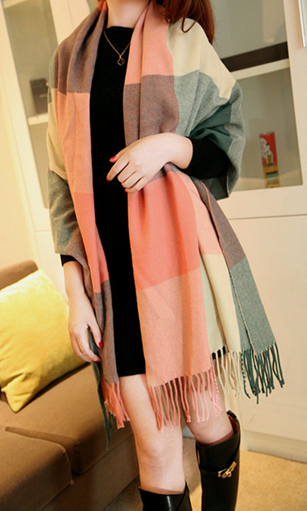 Free shipping Beautiful color ! vintage soft plaid tassel scarf cape(China (Mainland))