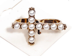 Free shipping 2013 fashion ring,cream pearls cross ring(China (Mainland))