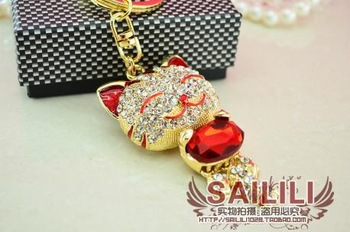 Male car keys gift zircon lucky cat keychain women's water lovers red car pendant