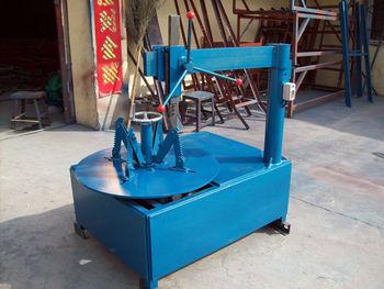 Hydraulic scrap tires cutting machine