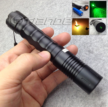 Free shipping/wholesale Hot sale 100mw 200 mw 532 nm flashlight style green laser pointer with charger TD-GP-136