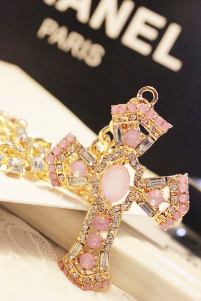 Vintage - eye royal cutout carved pink jewel all-match multi-layer cross necklace fashion designer necklace multilayer necklace(China (Mainland))