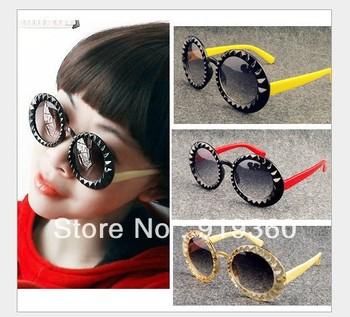 2013  new retro round sunglasses,diamond eyeywear, size box glasses ,latest  sunglasses for men and women,free shipping
