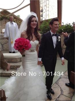 delgado vestido de novia estilo sirena corpiño en forma con falda de volantes Z012