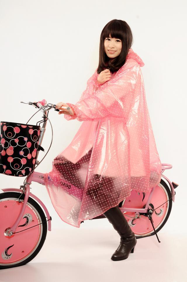 Free Shipping Fashion transparent crystal polka dot electric bicycle raincoat with sleeves poncho motorcycle(China (Mainland))
