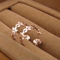New flower-shaped semi-circular rose gold earrings rose gold titanium steel plated 14K earrings rose gold ME-25