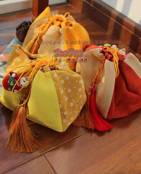 # cloth tassel cell phone pocket japanese style beam storage bag wrist bag girls gold
